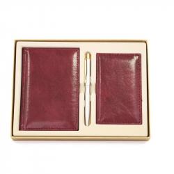 Набор недатированный Attache Марта бордовый (ежедневник А6, записная книжка, визитница, ручка)